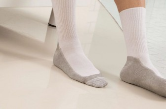 Diabetic Socks – Best Diabetic Socks Under $100 (2020 Reviews & Guide)